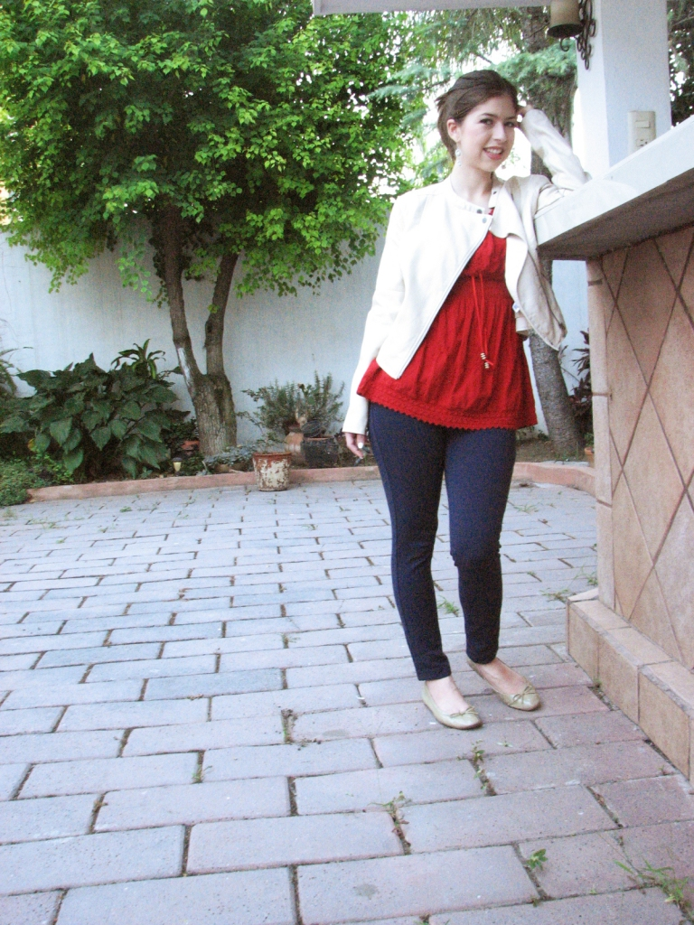 #ootd #streetstyle red artisanal shirt, navy blue jeggings, beige faux-leather jacket and balerina flats www.lindifique.com
