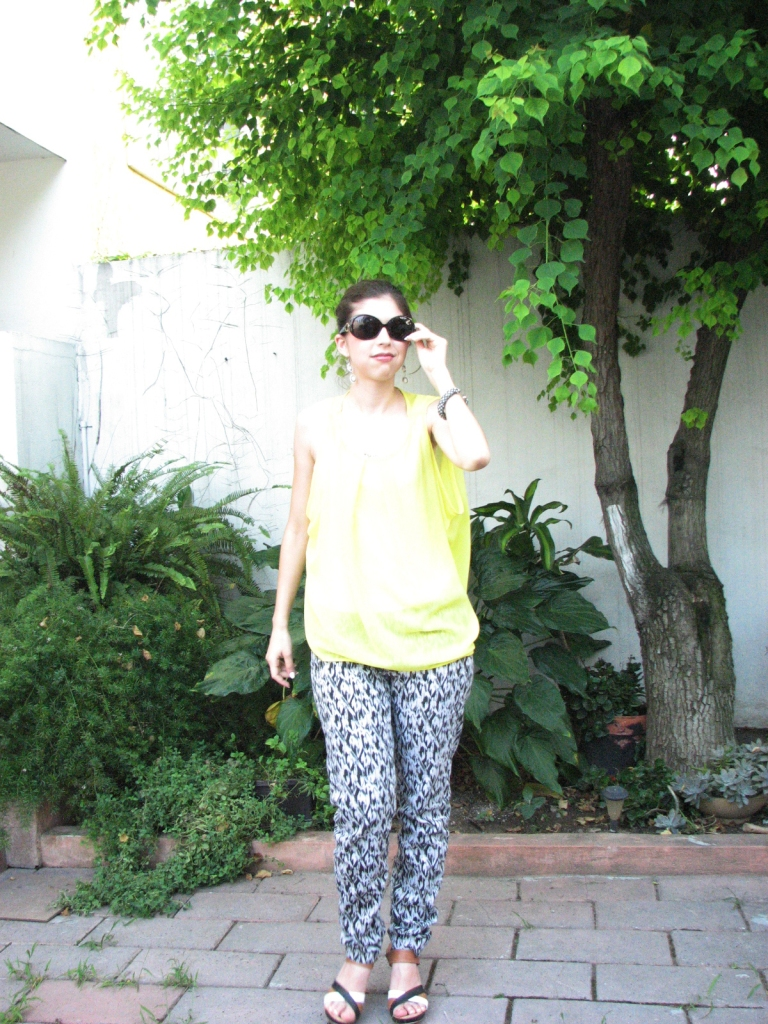#ootd yellow, black & white + sunglasses www.lindifique.com
