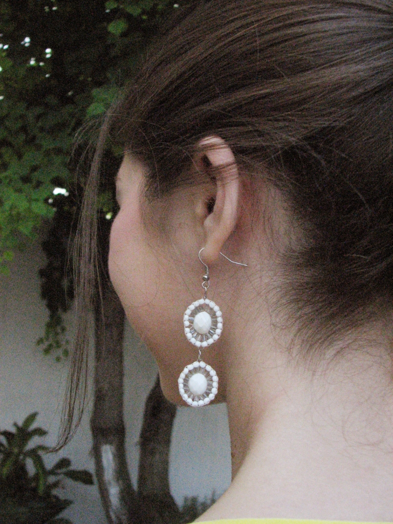 White handmade earrings www.lindifique.com