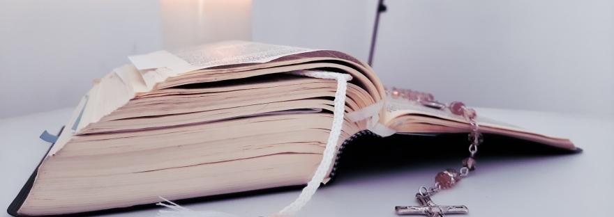 Vida de oración en cuarentena, Biblia y rosario