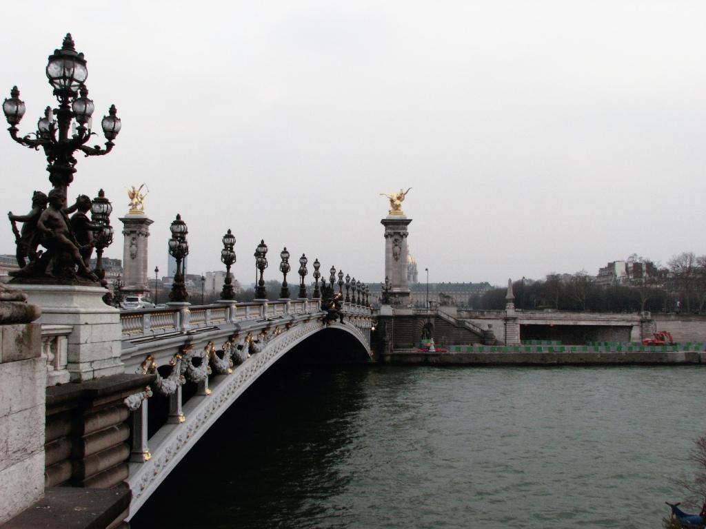 Pont d'Alexandre. Paris, France La Seine