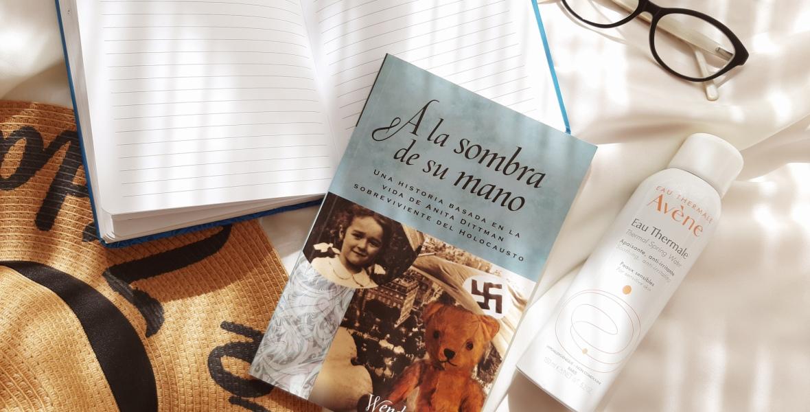 Favoritos de julio: A la Sombra de su Mano, journaling, agua termal, One Child Nation y más.