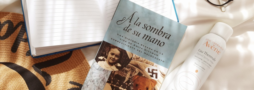 Favoritos de julio: A la Sombra de su Mano, journaling, agua termal, One Child Nation y más.